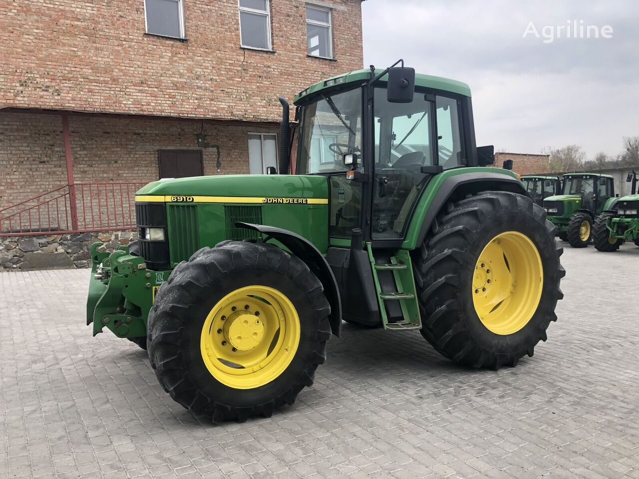 tracteur à roues JOHN DEERE 6910
